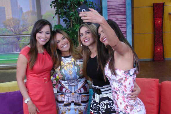 Una selfie de las cuatro bellezas del programa no podía faltar.
