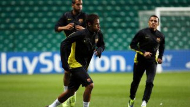 Neymar y Alexis, durante un entrenamiento con Barcelona.