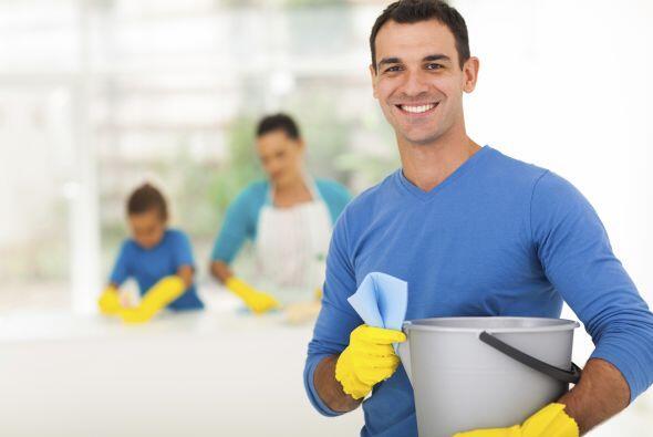Lo que es peor, muchas creen que es sólo su deber limpiar y mante...