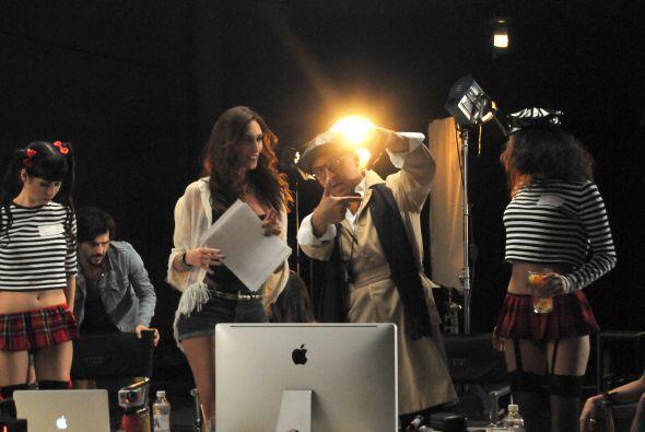En el video, Cristian interpreta a un director de cine, pero aún...