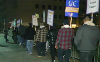 Empleados de UCLA iniciaron paro laboral de cinco días para pedir contra...