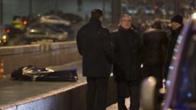 Boris Nemtsov fue asesinado de 4 balazos por la espalda cuando paseaba p...