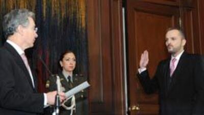 Bosé recibe la ciudadanía colombiana d38205c6ee93444b94d4609871d5e496.jpg