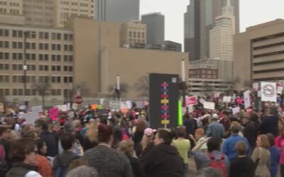 Así fue la Marcha de las Mujeres en Dallas contra Donald Trump
