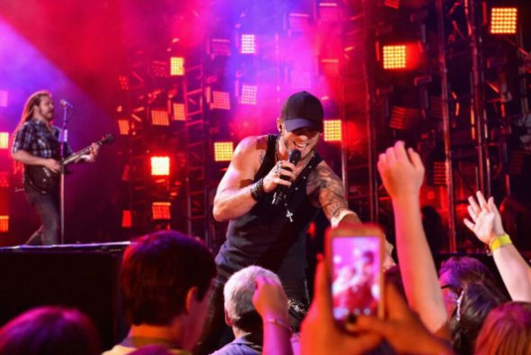 19. Brantley Gilbert; 209,141 dólares; 29.35 dólares.