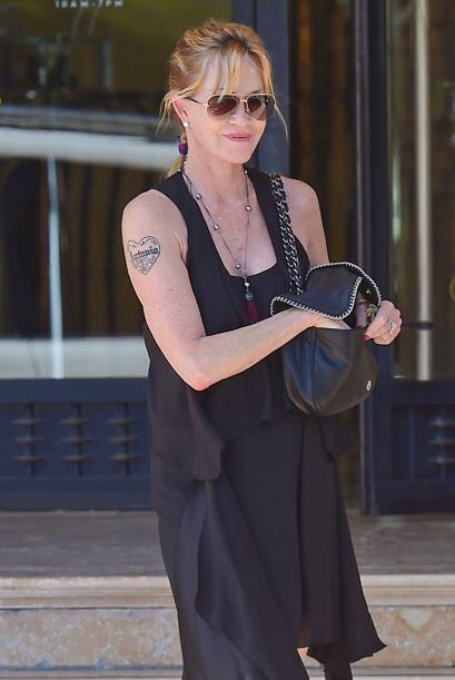 La actriz de 56 años se fue de compras por Beverly Hills. Vota aquí por...