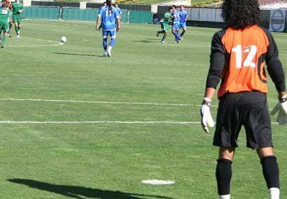 Alonso Lara entró por Zúñiga antes de lo esperado y cumplió un buen papel.
