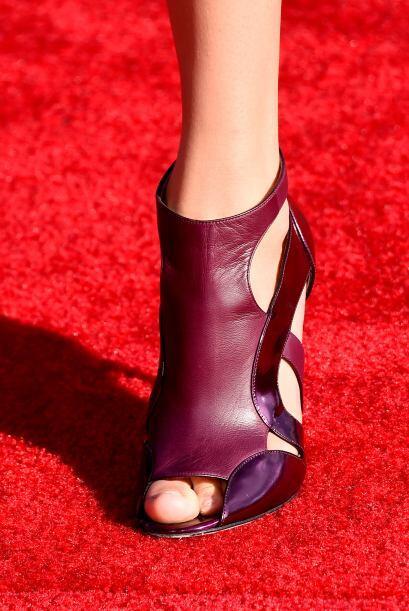 Con zapatos en este tono seguro brillarás toda la noche.