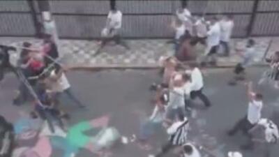 Los seguidores de Santos y Corinthians protagonizaron una pelea previo a...