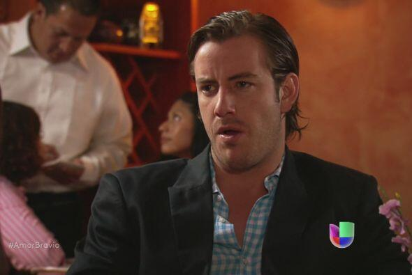 Yago le dice a Natalia que no podrán pedir su mano hasta que Isad...