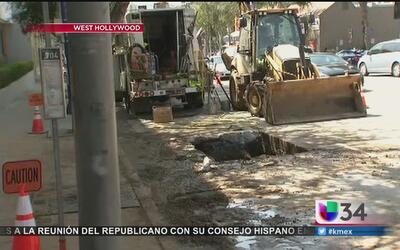 Ruptura en tubería provoca fuga de agua en West Hollywood