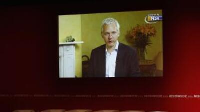 Se analizará el tema de Wikileaks, con la participación de Julián Assang...