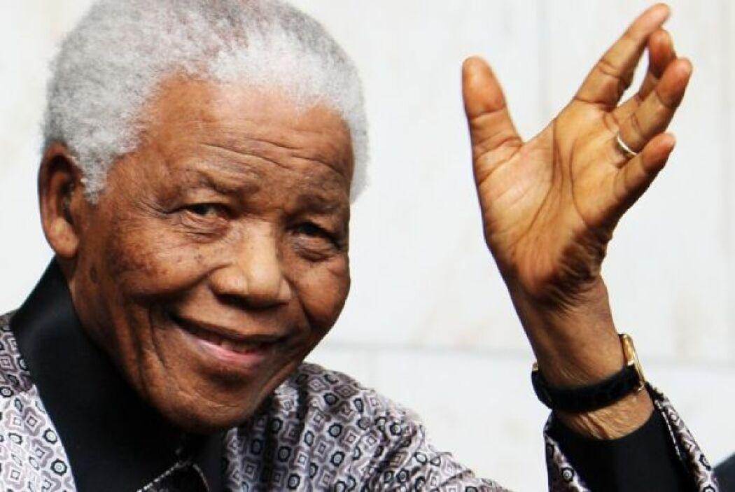 El ex presidente de Sudáfrica Nelson Mandela, de 94 años, fue dado de al...