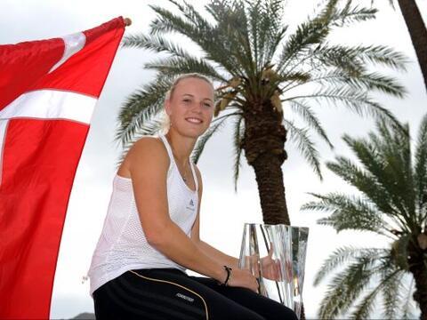 La danesa Caroline Wozniacki, número uno de la WTA, conquist&oacu...