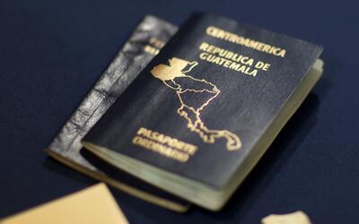 Guatemaltecos en EEUU, en peligro por las demoras de los consulados en e...