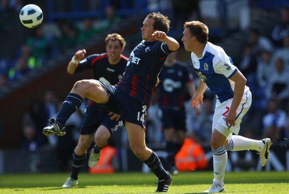 Blackburn Rover y Bolton se enfrentaron en un partido áspero. Muc...