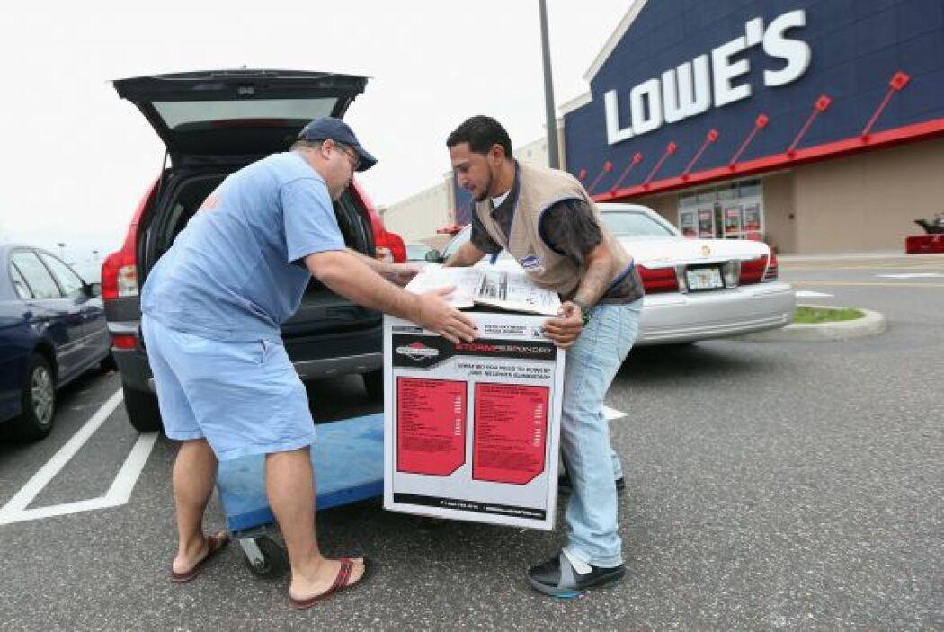 LOWES- La tienda recibirá a los amantes de las ofertas a partir de las 5...