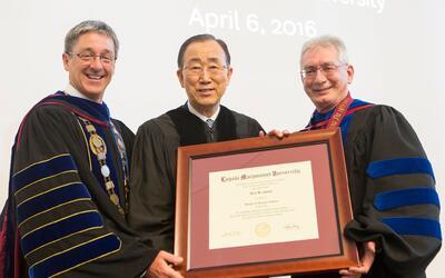 Reconocimiento de LMU a Ban Ki-moon.