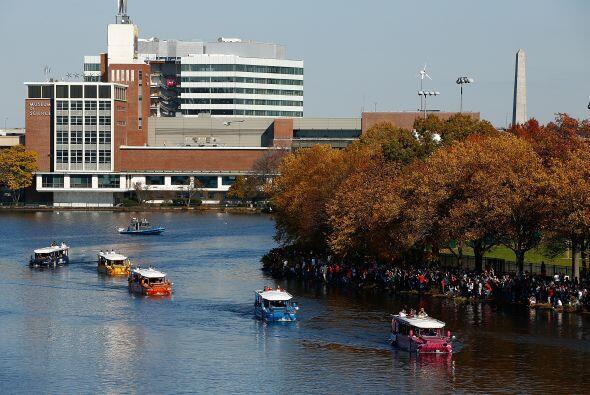 La celebración se extendió hasta el río Charles para festejar su inesper...