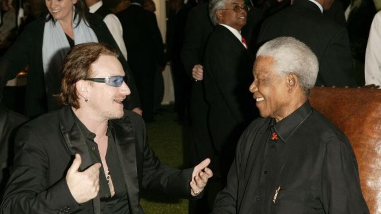 Mandela y Bono celebraron juntos Thanksgiving en Sudáfrica en 2003.