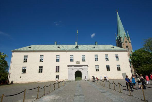 La pequeña y futura heredera al trono representó a la Casa Real sueca ju...