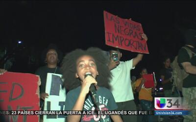 Protestan por la muerte de un hombre en Pasadena a manos de la policía