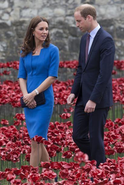 Pero esta mañana el palacio de Kensington ha confirmado que Kate está em...