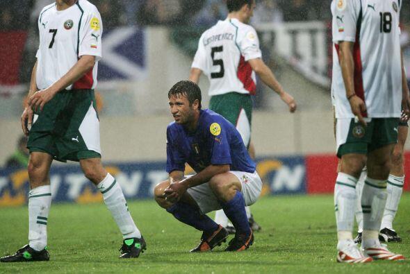 Y en el 2004 fue parte del plantel que jugó la Eurocopa. Marcó dos de lo...