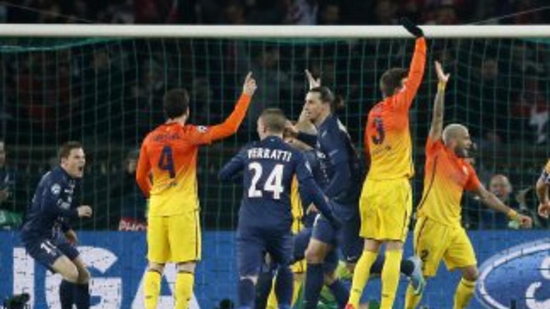 Aunque no es común en el Barcelona, los jugadores 'culés' reclamaron var...