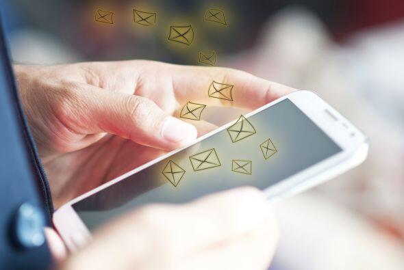 Pero el resto lo hace por mensajes de texto (15 por ciento), llamadas (1...