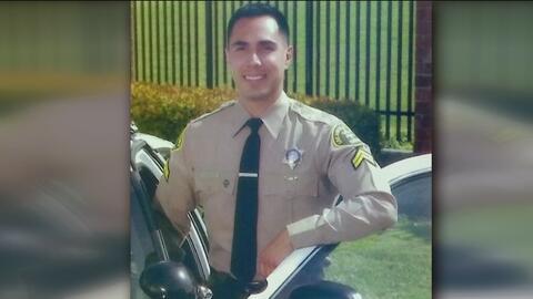 Este policía busca desesperadamente un donante de médula ósea para poder...