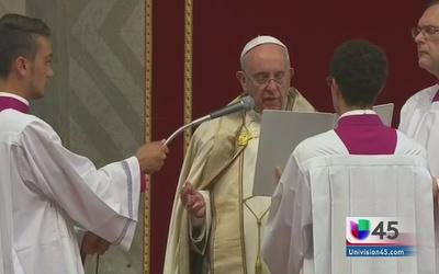 El Papa pide absolver pecado del aborto
