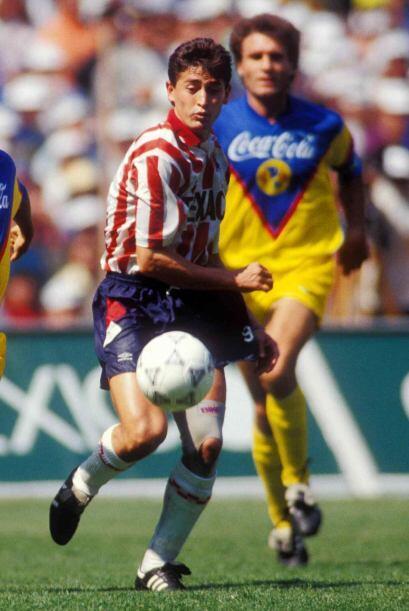 """Manuel """"Cosas"""" López, del local, hizo el primer gol al minuto de..."""