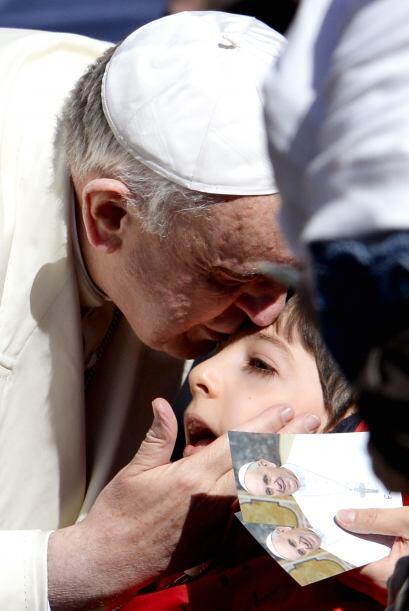 Estas imágenes demuestran que el amor del papa no se mide en edad...