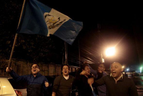 Los guatemaltecos están viviendo por primera vez en su historia la renun...