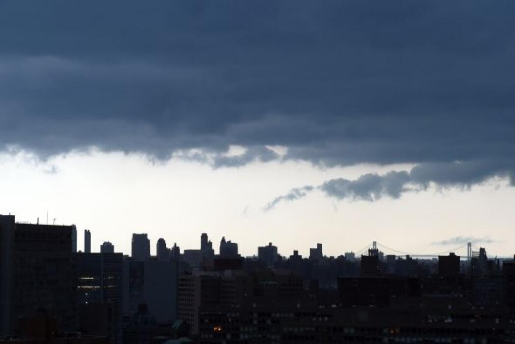 Así luce el cielo sobre Manhattan.