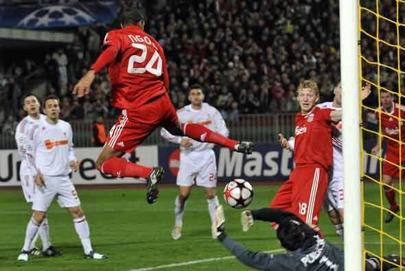 Este acrobático gol de N'Gog bastó para la victoria del Li...