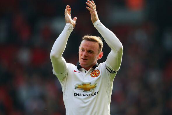Wayne Rooney, jugador del Manchester United, percibió en la tempo...
