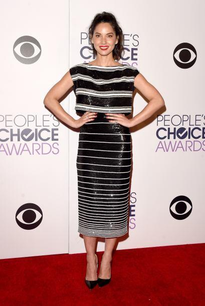Olivia Munn estuvo entre las peores vestidas, ese vestido no le favoreci...