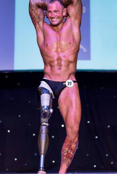 Mark Smith pasó de levantar 100 kilos a 220 en poco tiempo.