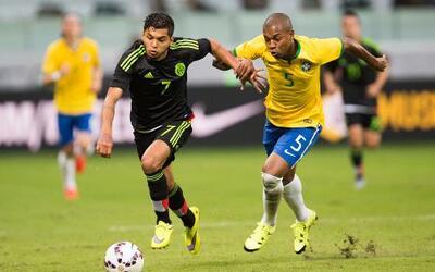 Héctor Moreno afirmó que los árbitros le han quitado cuatro puntos a Méx...