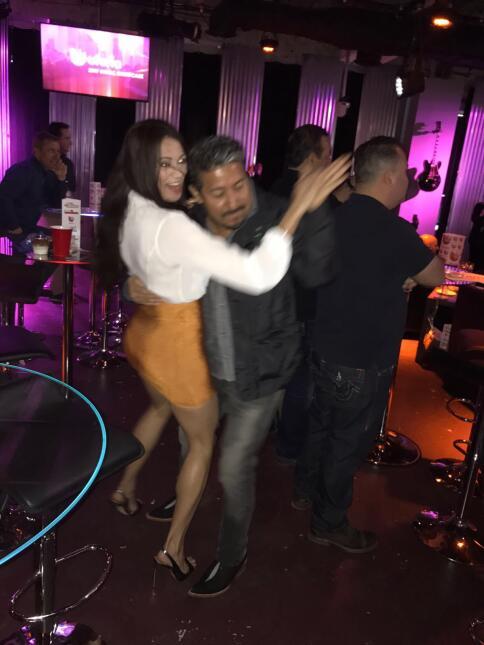 Carla Medrano enseñando a bailar punta al Feo.