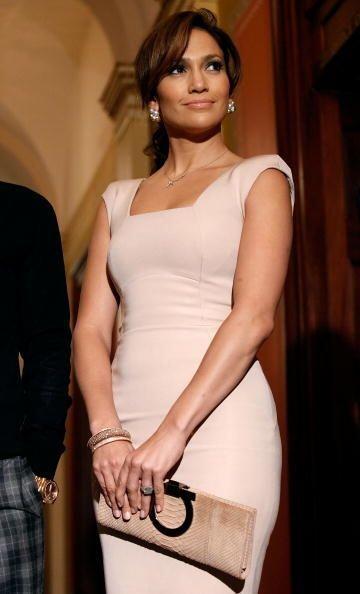 Jennifer Lopez ha usado ropa de esta marca tanto para acudir al programa...