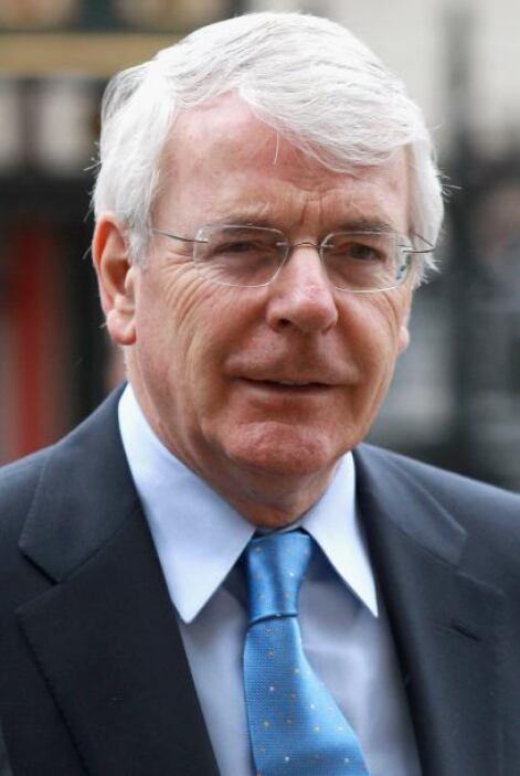 John Major: El ex primer ministro británico salió rozado no sólo por su...