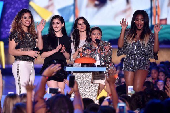 Fifth Harmony triunfó como Artista Nuevo.