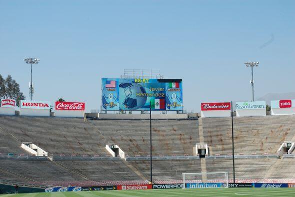 En la pantalla del estadio aparecieron los nombres de las figuras del 'T...
