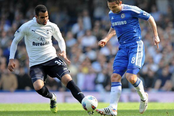 Otro que juega en el Tottenham inglés es Sandro. El mediocampista brilló...