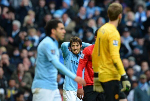 Para su mala fortuna, el balón fue desviado por De Gea con el hombro gra...