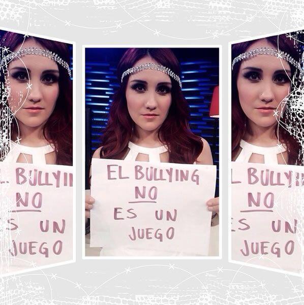 La actriz y cantante mexicana Dulce María. Foto tomada de Twitter.