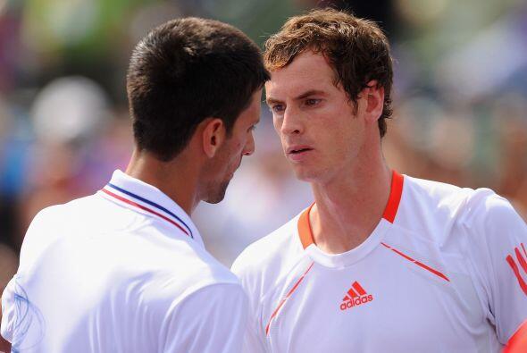 El partido tenía para entonces un camino claro. Djokovic jugaba para sen...